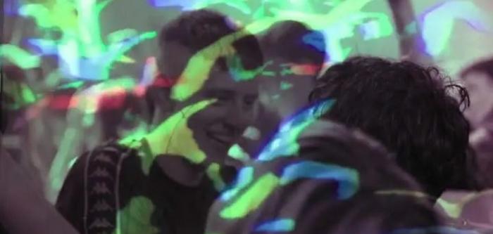 狂躁节拍:撒切尔主义的孩子与 90 年代锐舞运动的遗产