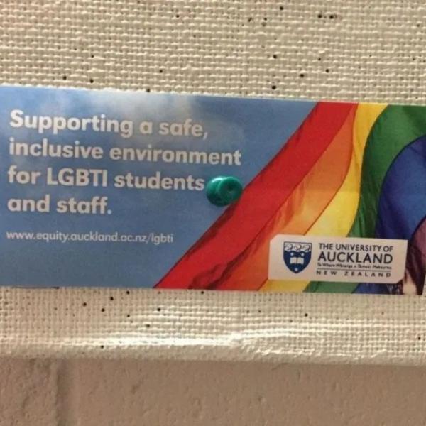 对于同性恋留学生,出国真的让一切变容易了吗?