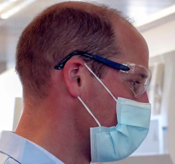 别的简报|雄性激素水平过高可能导致秃头男人更易感染 COVID-19