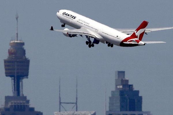 """别的简报丨澳洲航空公司推出的""""哪也不去""""机票在十分钟之内售罄"""