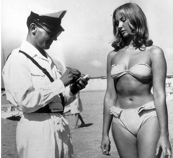 别的简报|法国内政部长出面捍卫市民赤裸上身的权利