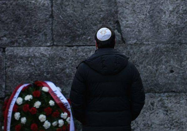 别的简报丨四分之一的美国年轻人认为犹太人大屠杀只是一个传说或被夸大了