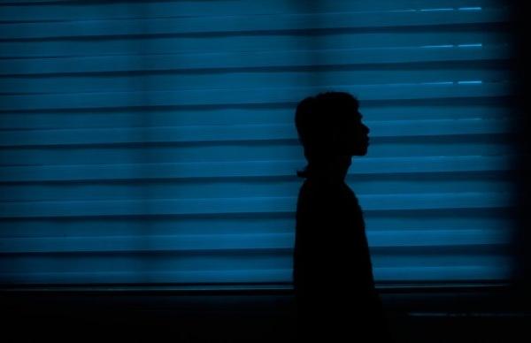 放声计划 | 入曽用这些午夜时分的照片来填补内容的宁静