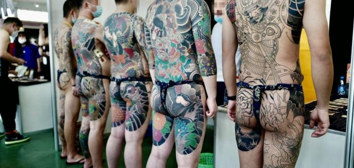 """文身师 Coco 带我们 """"逛逛"""" 疫情后国内的首个纹身展"""