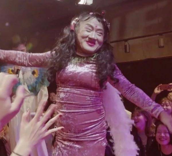 刘姐:变装 28 个春秋,我不是鬼,是一个活生生的人